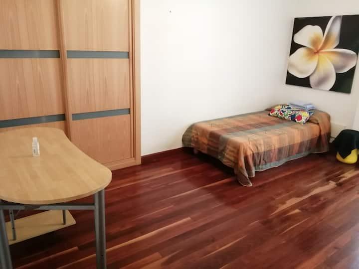 Habitación individual en Burlada