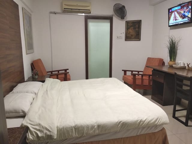Spacious room in KL city center Cochrane MRT中文房东
