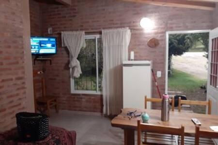 Cabaña cálida y cómoda con privilegiada naturaleza