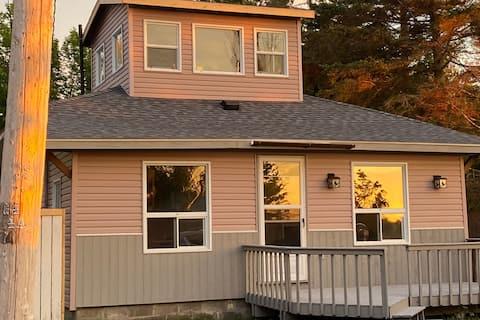 Shenandoah Cottage On the Bay of Lake Superior