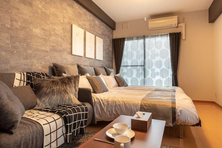 Osaka cozy room for 6!Shinsaibashi FreeWifi! #1001