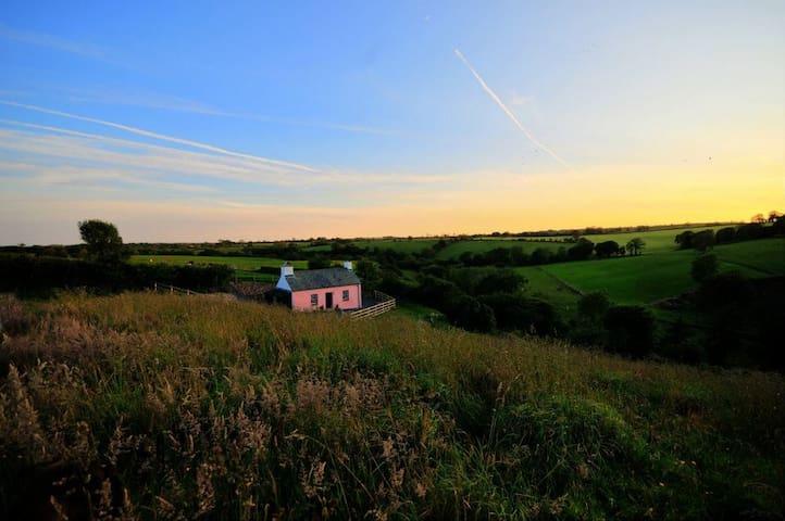 CwmHill - 'Best UK STARGAZING cottage' + WIFI