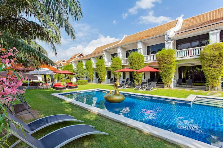 ⭐Coconut Grove 40BR Beach Side Private Resort