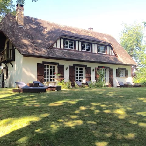Charmante maison normande dans un écrin de verdure - Corneville-sur-Risle