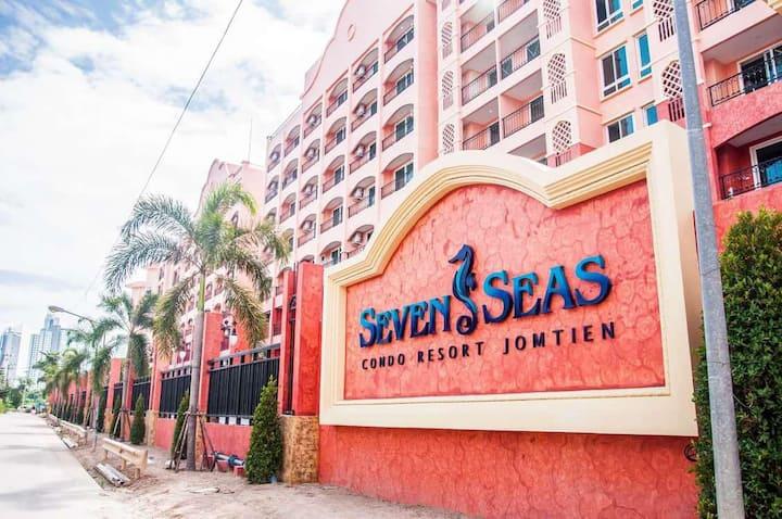 Seven Seas Condo Resort Studio D5