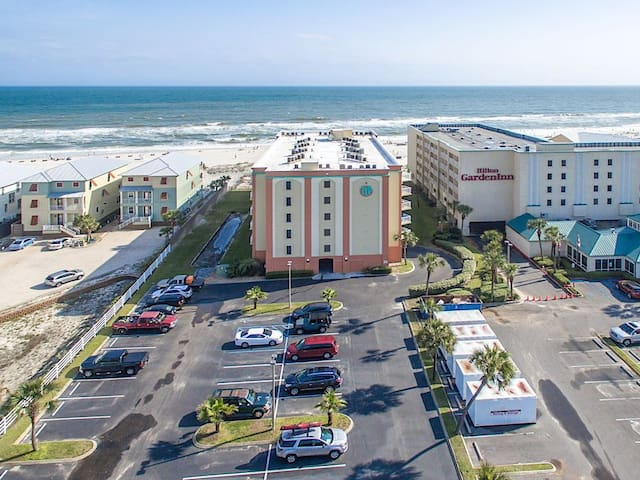 Direct Gulf Front Complex! Walk to Attractions!