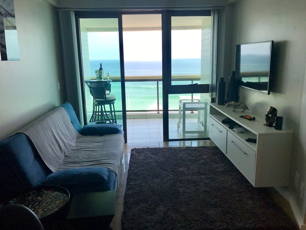 Flat com vista frontal ao mar - Barra Royal Plaza