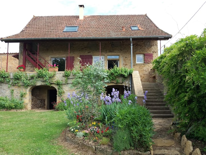 Sud Bourgogne maison vigneronne totalement rénovée