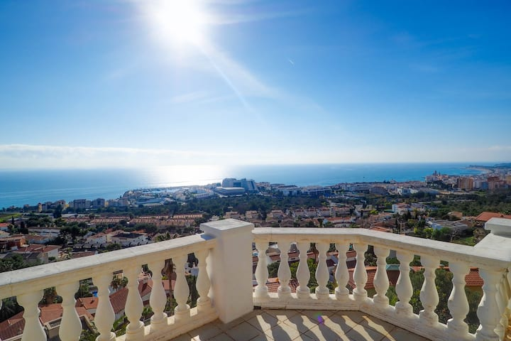 VILLA WITH AMAZING SEA VIEWS, TERRACES AND POOL