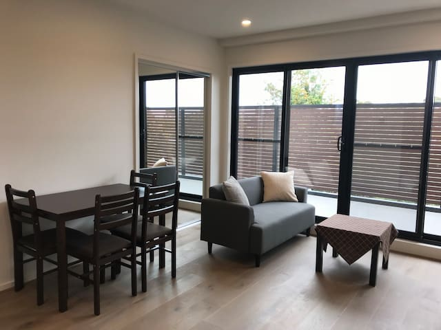 Brand New Two Bedroom Apartment *FREE PARKING
