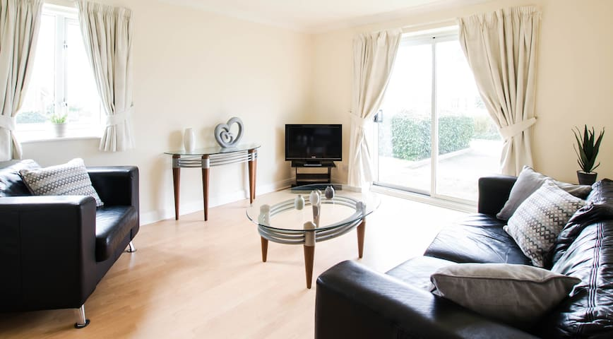 Luxurious family apartment on the park! (pc22) - Crawley - Apartament