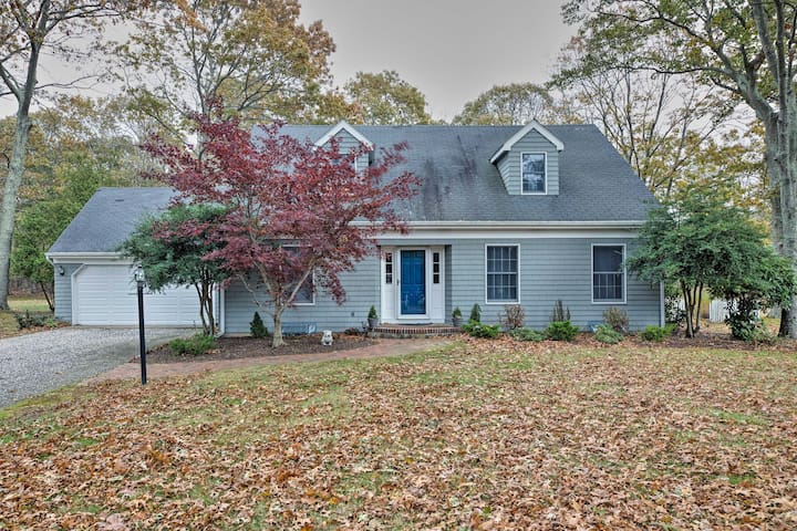 NEW! Charming 3BR East Marion Home - Walk to Beach