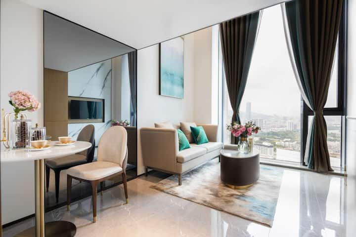 「骏庭公寓 - 24小时前台」二房一厅复式套房 & 可加购自助早餐 & 免费停车 & 健身房