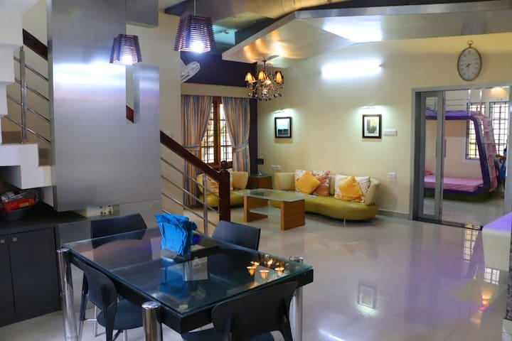 Luxury Fully-Furnished / Equipped Villa for Rent.