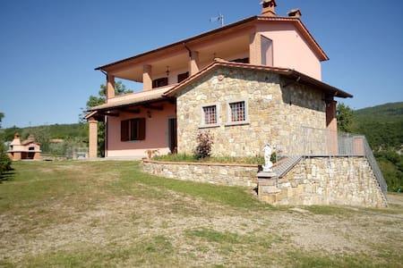 Villa Leo, Tuscany Holiday Villa - Capolona