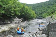Whitewater rafting, 10 min away