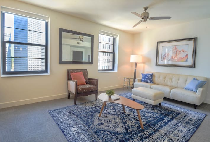 Downtown Dallas Wonderful 2BR Apartment