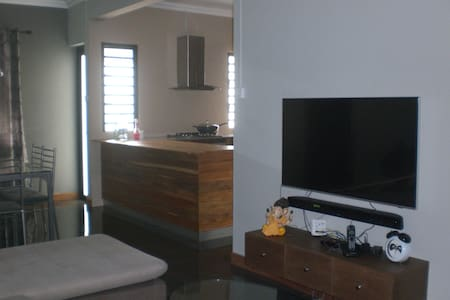 Entire cosy bungalow for rent in Vacoas Mauritius
