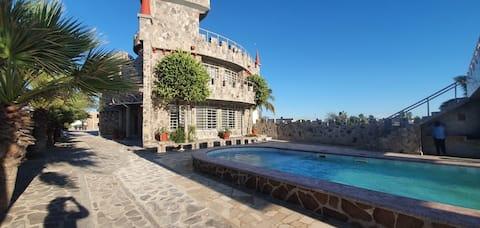 El Castillo de  Las Bocas
