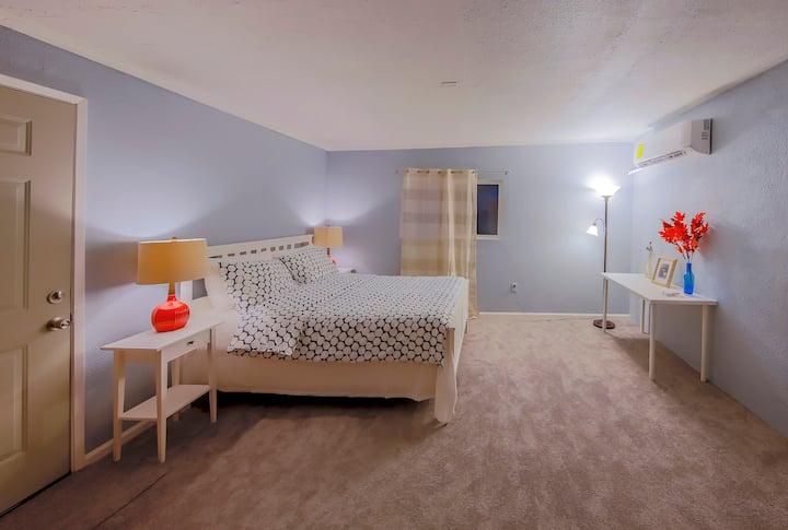 Modesto Cozy Bedroom 5 with private Bathroom