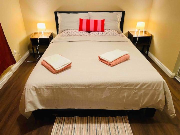 Cozy room B/Qbed,memory foam topper/TV/shared bath