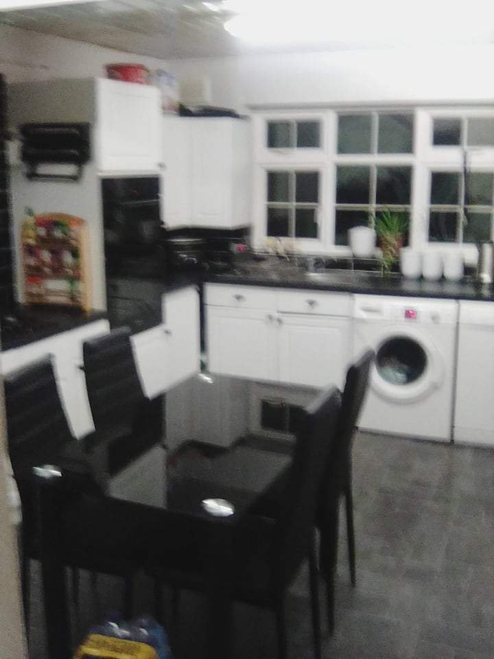Liverpool Cosy Double Room Excellent location.