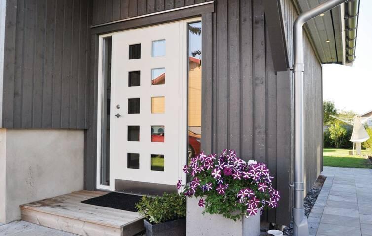 Modernt hus - perfekt för barnfamilj nära Kviberg