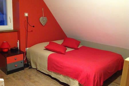 Chambre de 1 à 4 personnes, lit bébé disponible - Labaroche