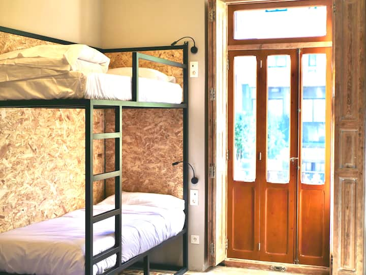 Habitación cuádruple privada