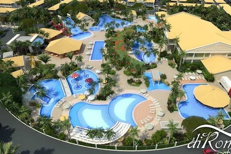 Apartamento completo e parque aquático fantástico