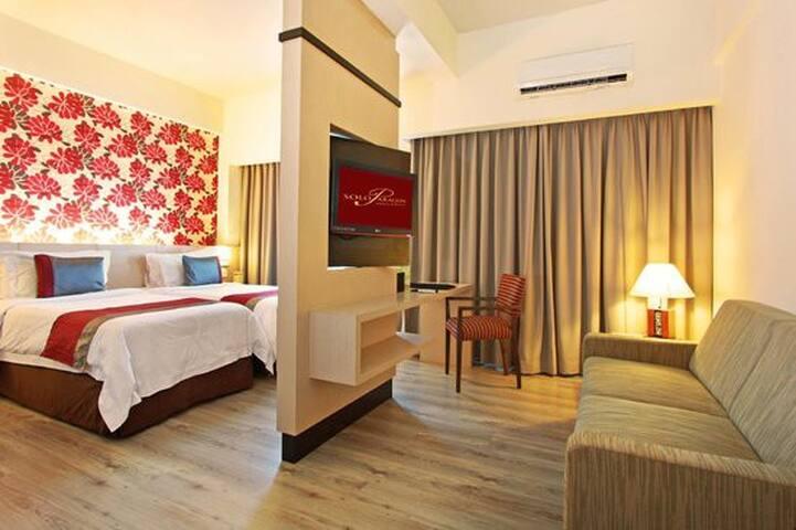 40 mSquare @ 4 Star Hotel Room Solo Paragon