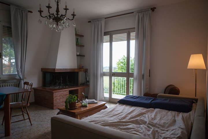 Spacious room 3 km distant from city center - Ravenna - Apartment