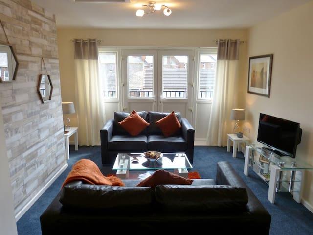 Smart Carlisle town-house sleeps 6+