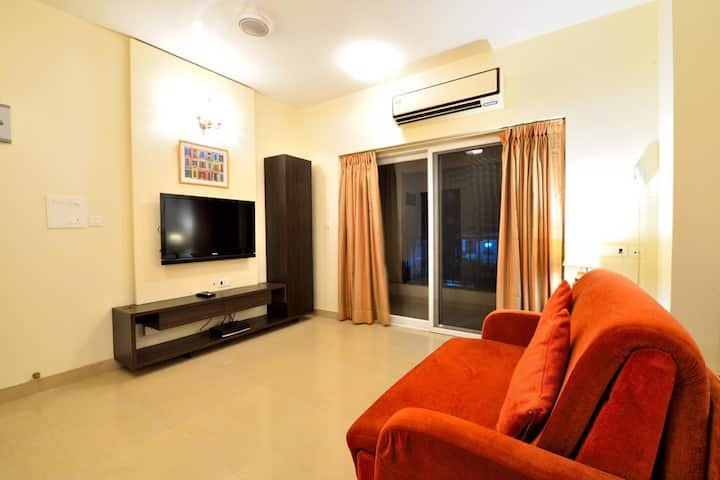 Charming 2 BR Apartment w Pool Near Baga