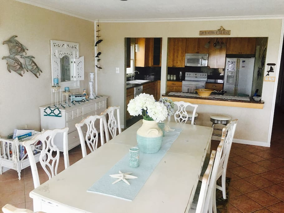 Dining room... leading into the fully stocked eat-in kitchen too