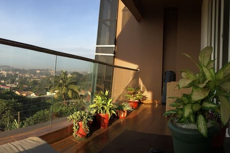 Private room in luxurious high-rise condo - Kampala