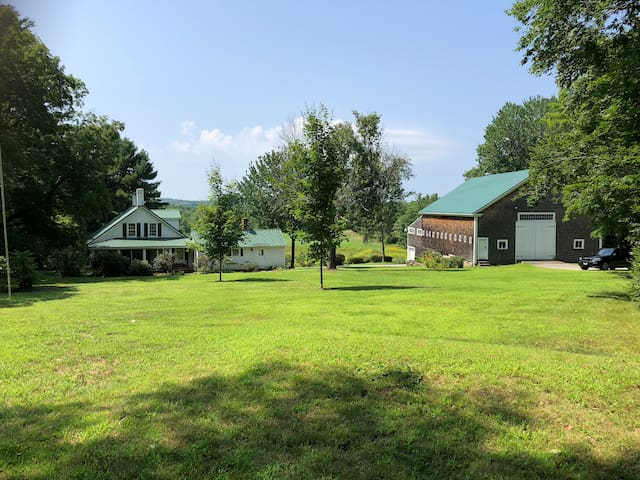 Quintessential New England Farm in Barnstead