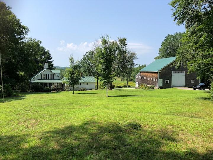 Quintessential New England Farm in Barnstead