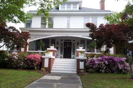 Church Street Historic - Elizabeth City - บ้าน