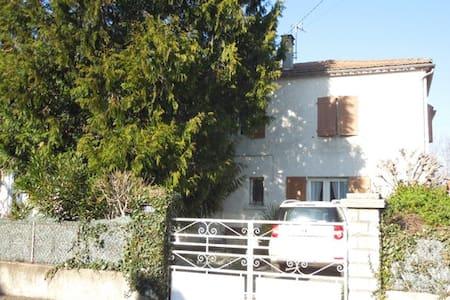 Entre bord d'Aude et contrefort des Pyrénées - Espéraza