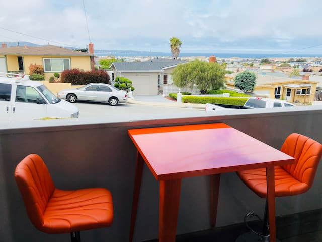 The Monterey Dream Condo W/Fantastic Ocean View.