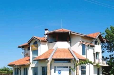 Къща за гости Енджъл- село Крапец- Шабла - 6