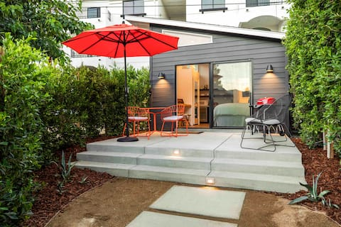 Mid Mod in the City close to DTLA and Universal