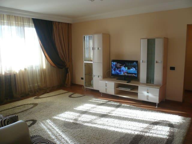 Apartment in Samal-2, 86 in Almaty