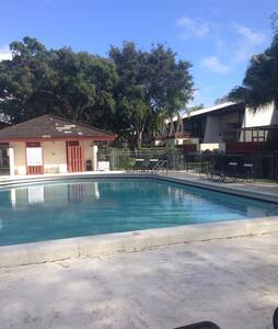 Nice place close FLL airport  beach - Hollywood - Bed & Breakfast