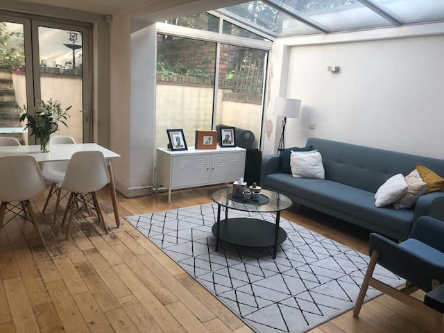 Cosy double room in the heart of Brixton