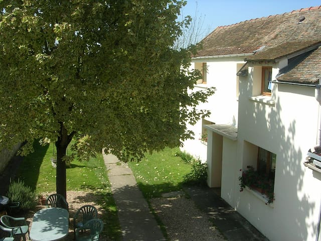 Holiday home at the edge of La Seine near Giverny - Moisson - Pondok alam