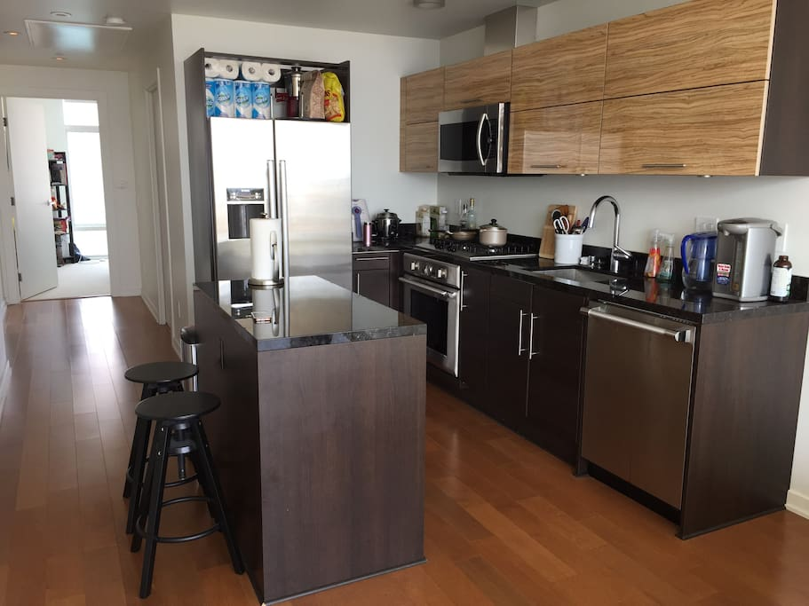 The kitchen. Guests are welcome to cook in the apartment!