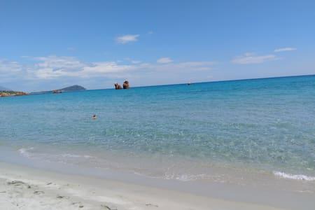 Tortolì/Cea beach app.to  per 6 persone - Provincia dell'Ogliastra - Byt