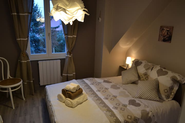 Romantic room near the castle : Haut-Koenigsbourg